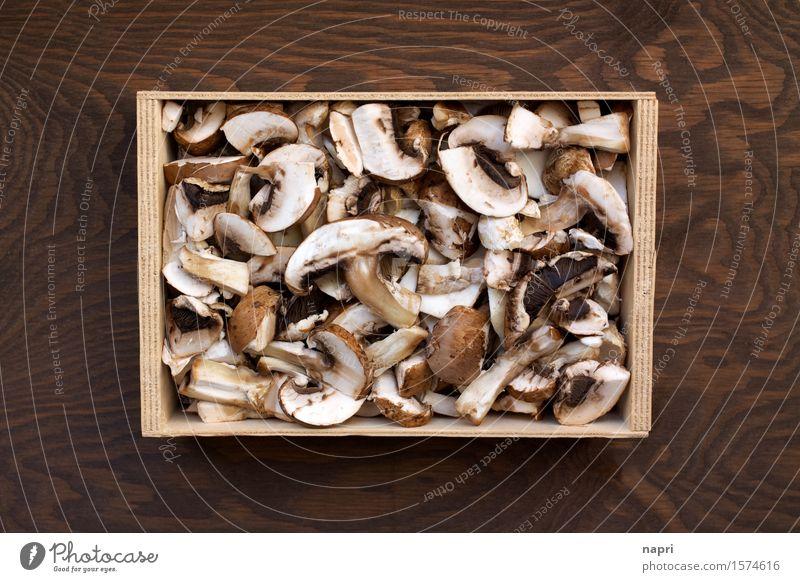 jeschnibbelte Pilze I Lebensmittel braun Ernährung Bioprodukte Vegetarische Ernährung herbstlich geschnitten Vegane Ernährung Billig Champignons