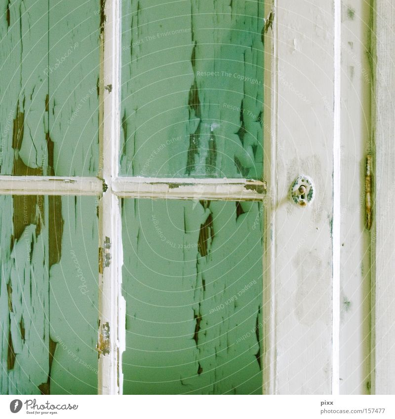 Durchblick alt Farbe Wand Fenster Holz Zeit Ordnung Spuren verfallen Verfall Handwerk Teilung türkis vergangen Renovieren Rahmen