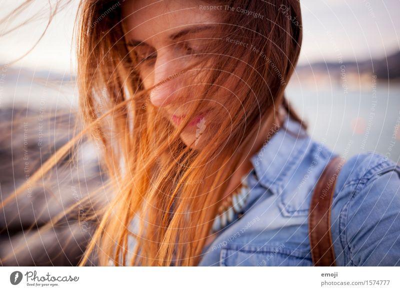 the sea Mensch Jugendliche schön Junge Frau 18-30 Jahre Erwachsene feminin Haare & Frisuren frei