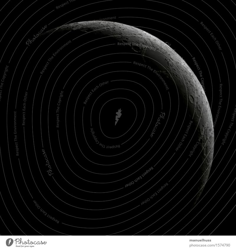 Crescent Moon Himmel Nachthimmel Mond Vulkankrater Kraterrand Berge u. Gebirge Ferne groß grau schwarz weiß Astronomie Astrofotografie zunehmend Mondlandschaft