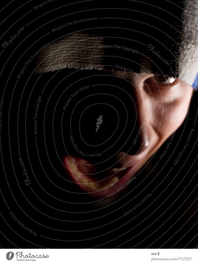 freude ist anders Mensch Porträt Mann Mund Gesicht schreien Ärger Wut Angst Schmerz dunkel Panik Zähne