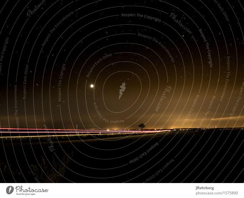 Lichtspur in der Nacht, mit Sternenhimmel (2) Halle (Saale) Dorf Stadt Stadtrand Verkehr Personenverkehr Straßenverkehr Autofahren Arbeit & Erwerbstätigkeit