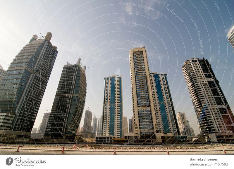 Metropolis 7 Stadt Straße Bewegung Wohnung Hochhaus Verkehr KFZ Wachstum Häusliches Leben Skyline Verkehrswege Dubai Arabien Naher und Mittlerer Osten