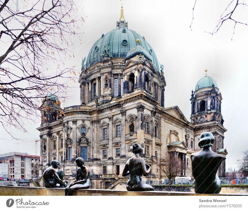 Berliner Dom Ferien & Urlaub & Reisen Tourismus Ausflug Sightseeing Städtereise Mensch feminin Berlin-Mitte Kirche Wert Farbfoto Außenaufnahme Tag