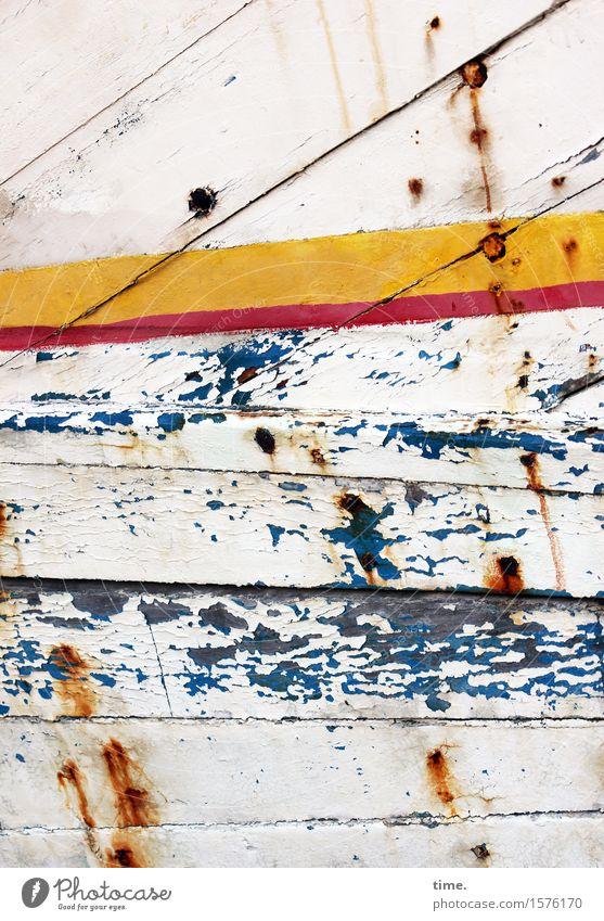 Lackschaden Kunst Schifffahrt Fischerboot Wasserfahrzeug Schiffsplanken Bootslack Schiffswrack Farbe Holz Rost frech hässlich historisch kaputt maritim trashig