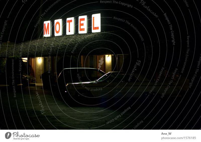 Zwischenstopp Lifestyle Ferien & Urlaub & Reisen Ausflug Abenteuer Motel PKW Schilder & Markierungen Leuchtreklame leuchten schlafen Häusliches Leben einfach