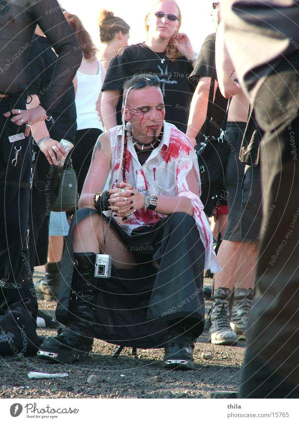 Pause Mann Coolness Hemd Blut Freak Bekleidung Musikfestival Grufti Hildesheim