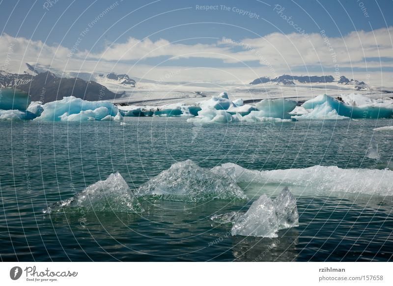 Eisberge im Jökulsarlón Eiskristall Gletscher Gebirgssee Island Jökulsárlón Gletscher Vatnajökull Klimawandel kalt Jökull Sarlón Eisblock