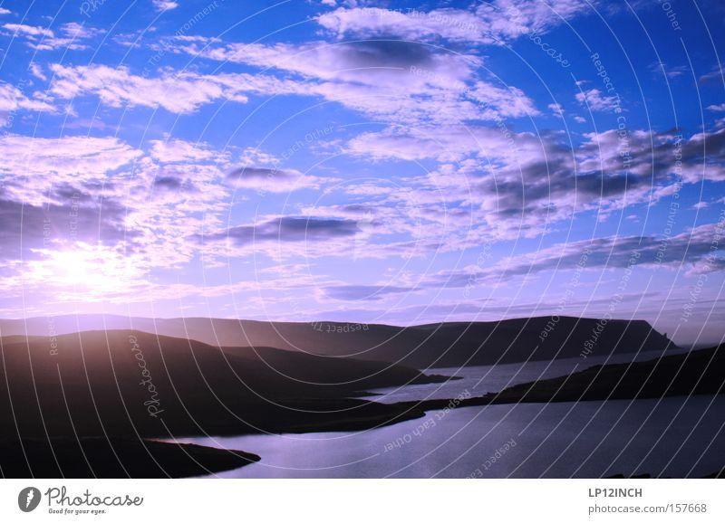 Mitternachtssonne am Nordkap Natur Wasser schön Sonne Meer Sommer Ferien & Urlaub & Reisen Wolken Einsamkeit Berge u. Gebirge wandern Norwegen vergessen Skandinavien Sommersonnenwende Mitternachtssonne