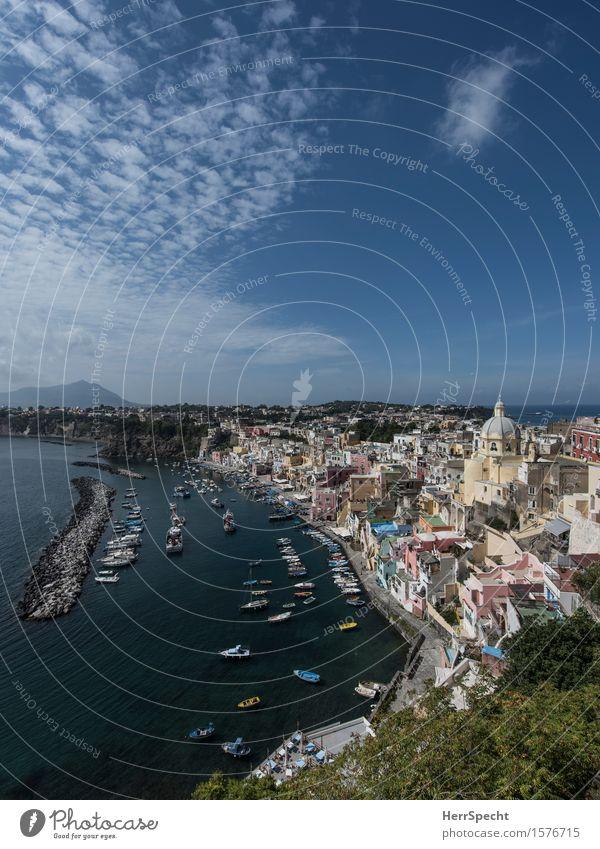 Procida Ferien & Urlaub & Reisen Tourismus Ausflug Sommerurlaub Meer Insel Landschaft Küste Bucht Neapel Italien Dorf Fischerdorf Haus Gebäude Architektur