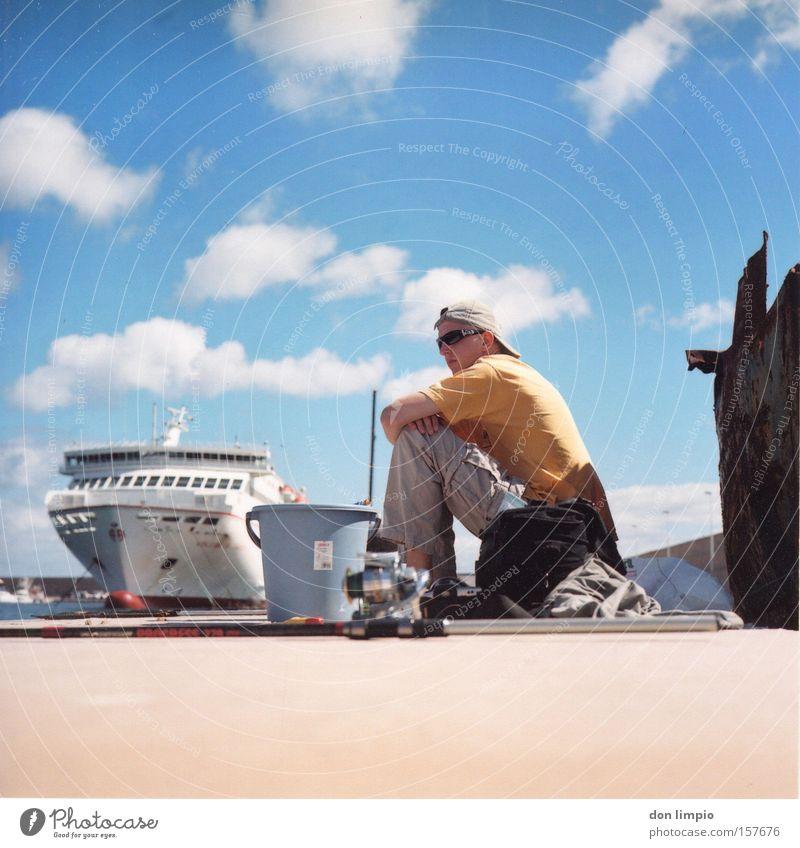 tranquilitat Hafen Anlegestelle Wasserfahrzeug Angler Angeln Himmel blau Fuerteventura Mittelformat analog Freizeit & Hobby puerto tranquilo