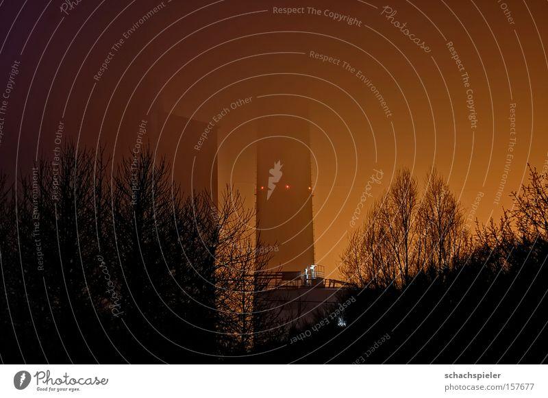 Nacht-Nebel-Kraft-Werk Stromkraftwerke Schornstein Licht Beleuchtung Lampe Elektrizität Energiewirtschaft Industrie Langzeitbelichtung