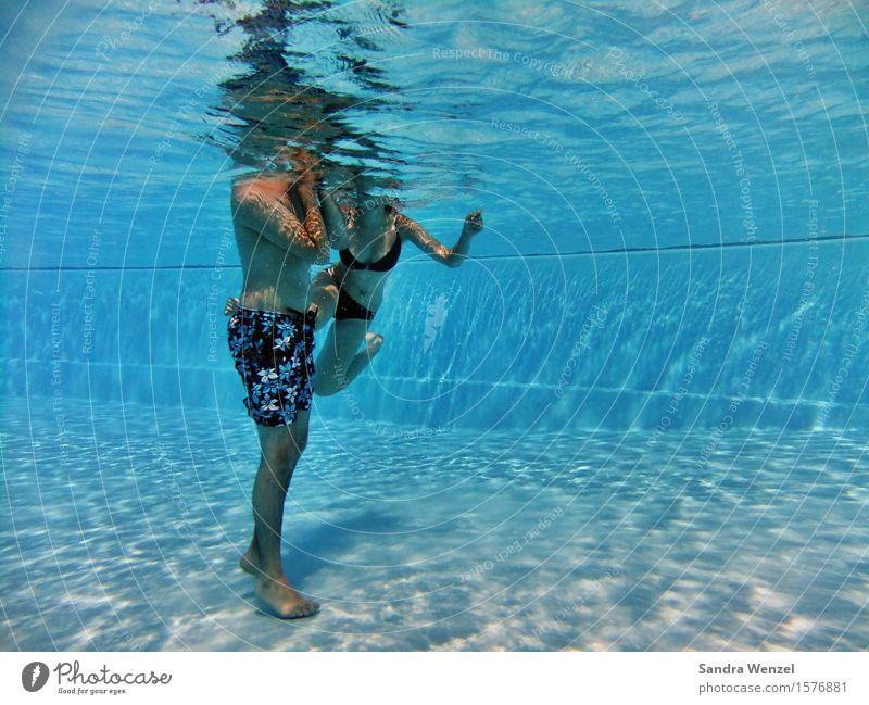 Endlich Urlaub! Freizeit & Hobby Ferien & Urlaub & Reisen Ausflug Sommer Sommerurlaub Wellen Schwimmen & Baden tauchen Sportstätten Schwimmbad Mensch maskulin