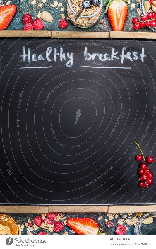 Inschrift Gesundes Frühstück auf leere schwarze Tafel Gesunde Ernährung Leben Speise Essen Foodfotografie Hintergrundbild Stil Lebensmittel Design Frucht Glas