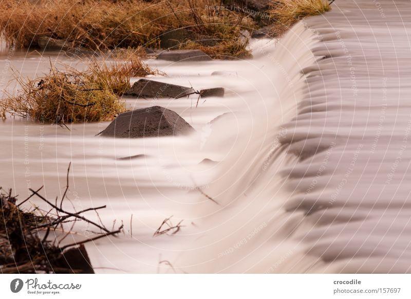 wasserfall ll Wasser Wasserfall Langzeitbelichtung kalt Fluss Bach Stein Felsen Ecke Sträucher Wachstum Winter Frieden