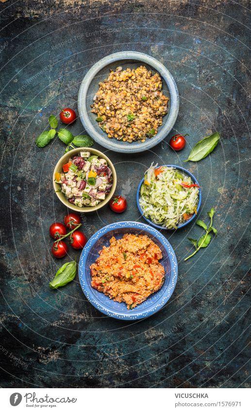 Köstliche Salaten Auswahl Gesunde Ernährung Leben Stil Lebensmittel Party Design Tisch Küche Gemüse Getreide Bioprodukte Restaurant Teller Schalen & Schüsseln