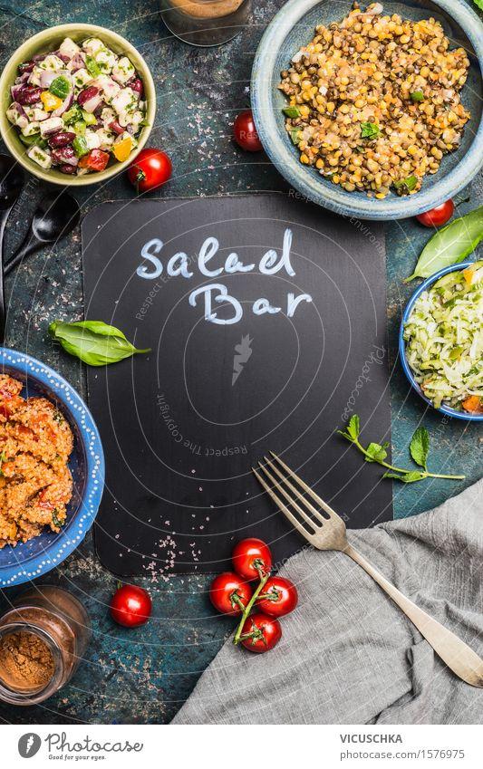 Salatbar mit verschiedenen gesunden vegetarischen Salaten Gesunde Ernährung Speise Stil Lebensmittel Design Schilder & Markierungen Zeichen Kräuter & Gewürze