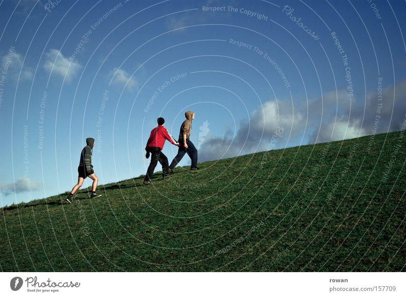 bergauf Wiese Berge u. Gebirge aufwärts steigen gehen wandern hoch aufsteigen Steigung Gras Menschengruppe Mann Jugendliche Führer