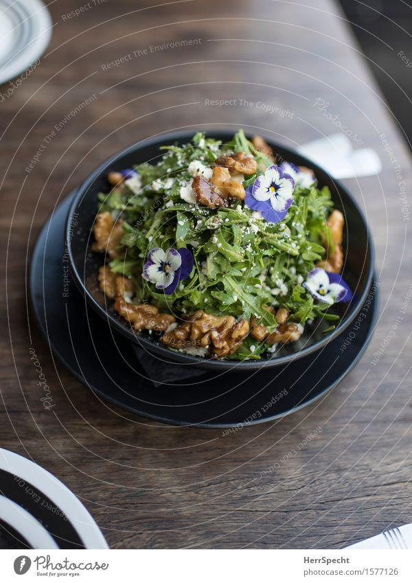 Bleaml Salat Salatbeilage Ernährung Mittagessen Abendessen Bioprodukte Vegetarische Ernährung Slowfood Teller Besteck Blüte ästhetisch frisch Gesundheit lecker
