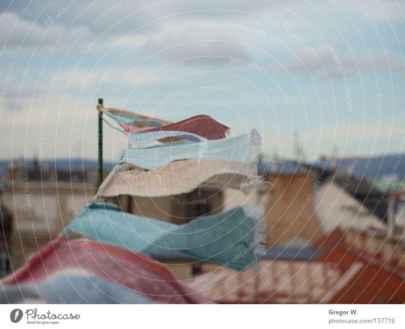Prayerflags Fahne Wien Himmel Dach Wind Religion & Glaube mehrfarbig Asien Freude verfallen Indische Gebetsfahnen