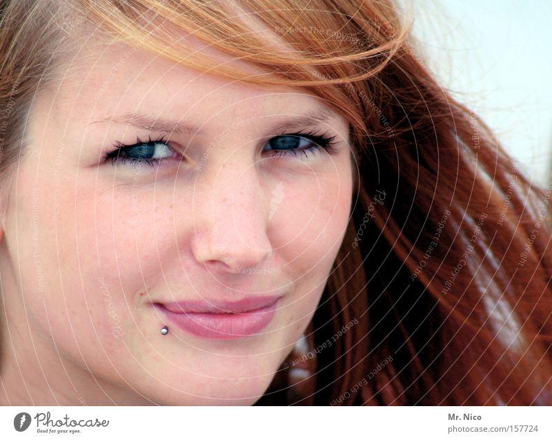 shining star Frau Natur schön Freude Gesicht Auge lachen Haut Lippen Piercing rothaarig bezaubernd Teint