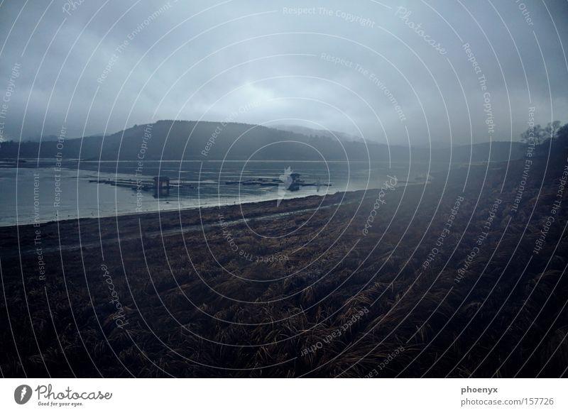 Gleichgültigkeit Winter Einsamkeit dunkel kalt Traurigkeit See nass Trauer Steg Verzweiflung feucht Ekel Ederstausee