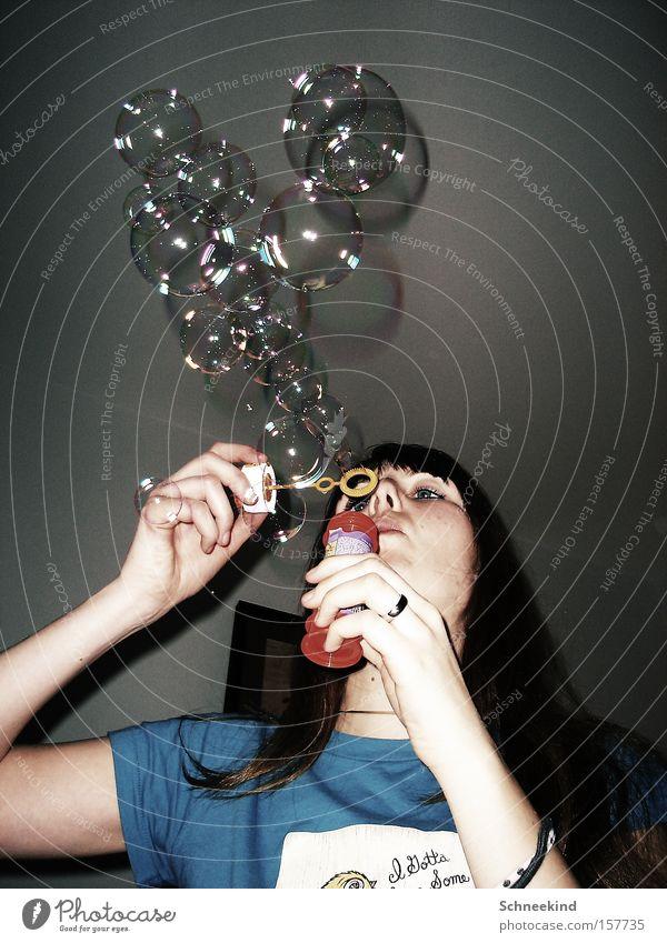 Blubberspaß Seife Seifenblase blasen Blase Frau Freude Feste & Feiern Ball fliegen Luft Ferien & Urlaub & Reisen Raum schön Luftverkehr Abendunterhaltung