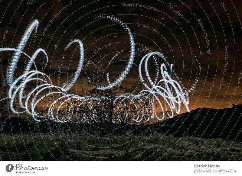 Nachtschicht Himmel Natur Ferien & Urlaub & Reisen schön Sommer Farbe Landschaft rot dunkel Berge u. Gebirge Umwelt Lampe hell Erde Sträucher Kreativität