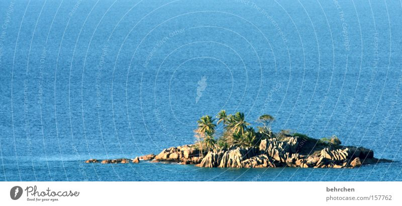 mein haus, mein auto, meine insel Ferien & Urlaub & Reisen blau Wasser Meer Ferne Küste klein Freiheit Felsen Wellen Tourismus Insel Ausflug Schönes Wetter