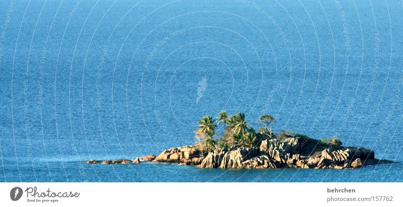 mein haus, mein auto, meine insel Ferien & Urlaub & Reisen blau Wasser Meer Ferne Küste klein Freiheit Felsen Wellen Tourismus Insel Ausflug Schönes Wetter Abenteuer Fernweh