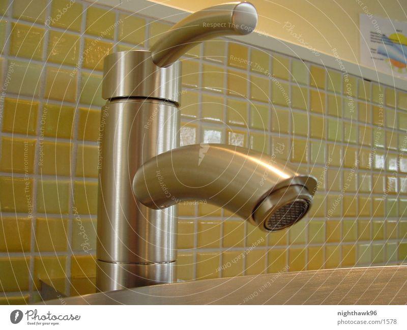 Der Wasserhahn Wellness Bad Dinge Waschbecken