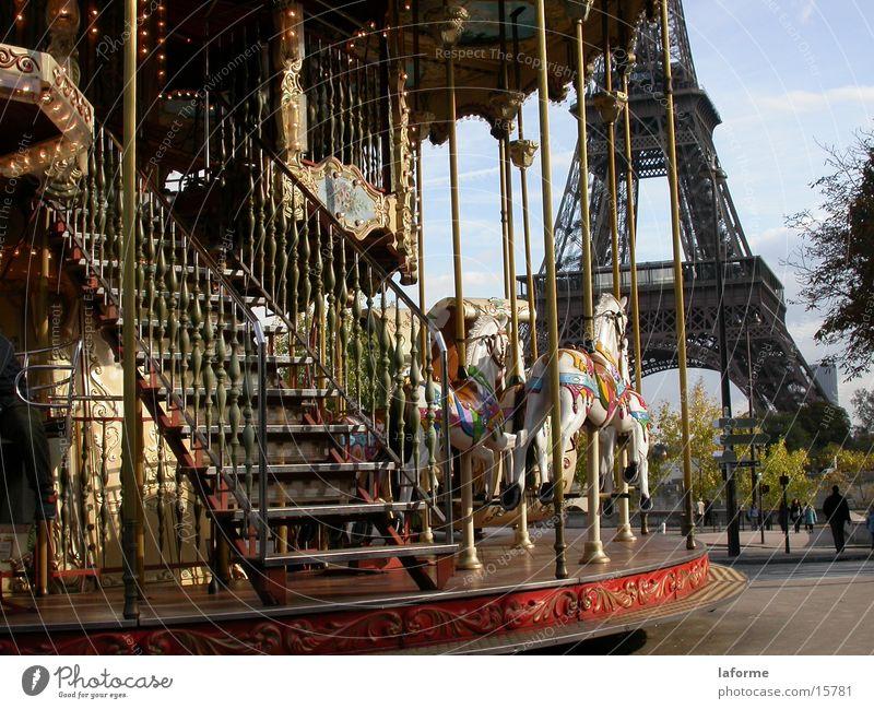 Karussell Paris Jahrmarkt historisch Tour d'Eiffel Kinderkarussell