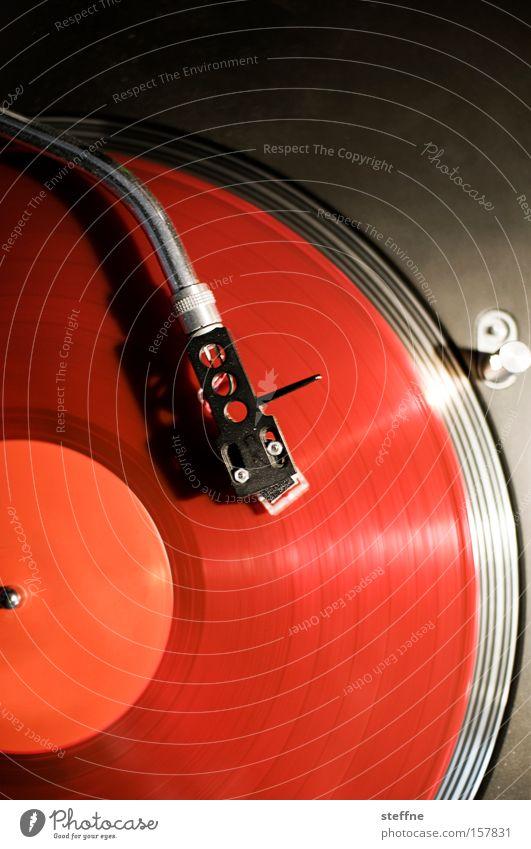 DANCE! Plattenspieler Schallplatte Club Tanzen Tanzveranstaltung Musik Feste & Feiern ausgehen schick Stil Diskjockey Freude Konzert turntable Plattenteller