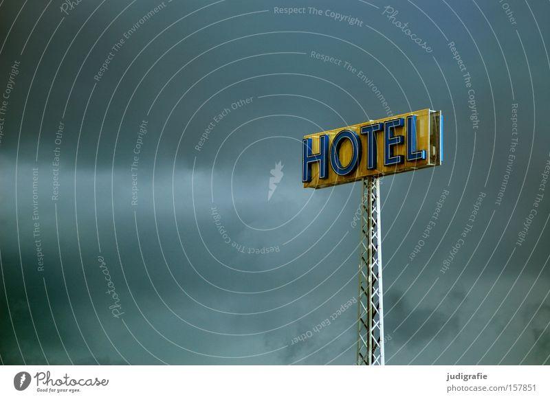 Hotel Himmel Farbe Schilder & Markierungen Buchstaben Werbung Hinweisschild Typographie Wort Leuchtreklame Großbuchstabe