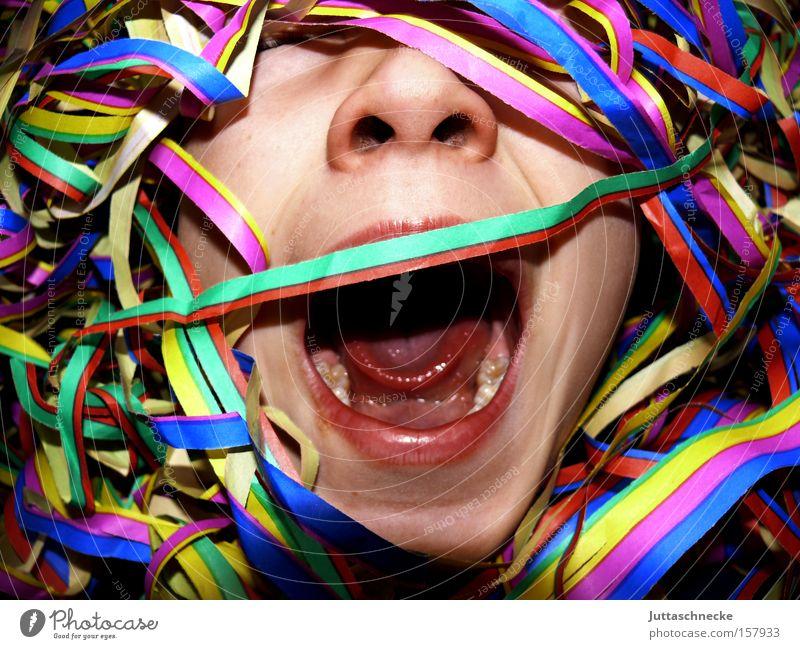Der Fasching will mich fressen Kind Party Mund Feste & Feiern Nase Karneval schreien verstecken Hilferuf verdeckt Konfetti Luftschlangen