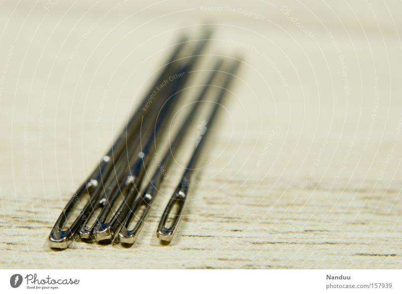 fünf sticht Holz hell Dinge 5 Handwerk Haushalt Reparatur stachelig Nadel stechen Nähen Handarbeit Öhr piecken