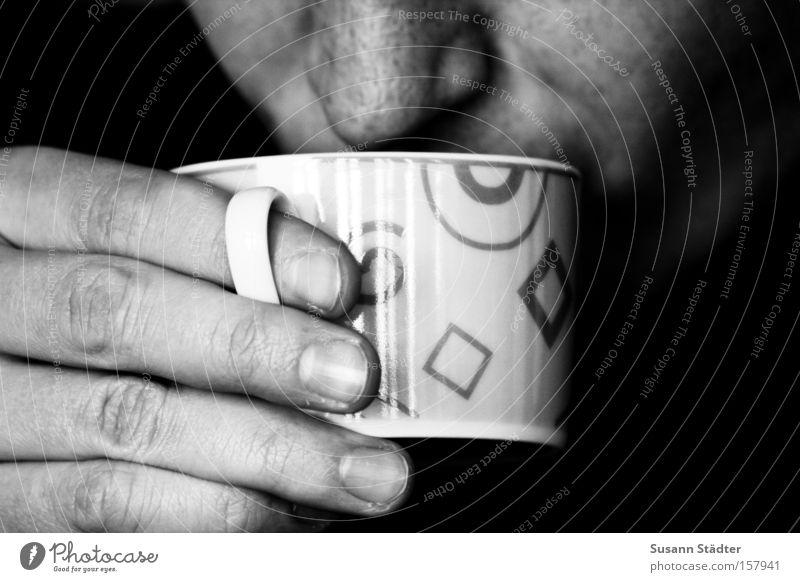 Guten Morgen...der Kaffee ist fertig! Getränk trinken Tee Gesicht Nase Hand Wärme Dorf heiß Teepflanze heizen Tragegriff Fingernagel Danny Kaffeetasse