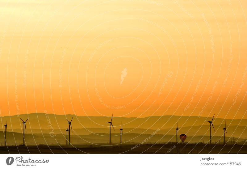 Neue Energie Windkraftanlage Erneuerbare Energie Erdöl Gas Umweltverschmutzung Elektrizität Energieeffizienz Emission Klimawandel Klimaschutz modern Moral