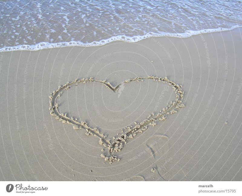 an der Ostsee v.2 Wasser schön Sonne Sommer Strand Ferien & Urlaub & Reisen Liebe See Sand Herz Deutschland Schmerz Meerwasser salzig