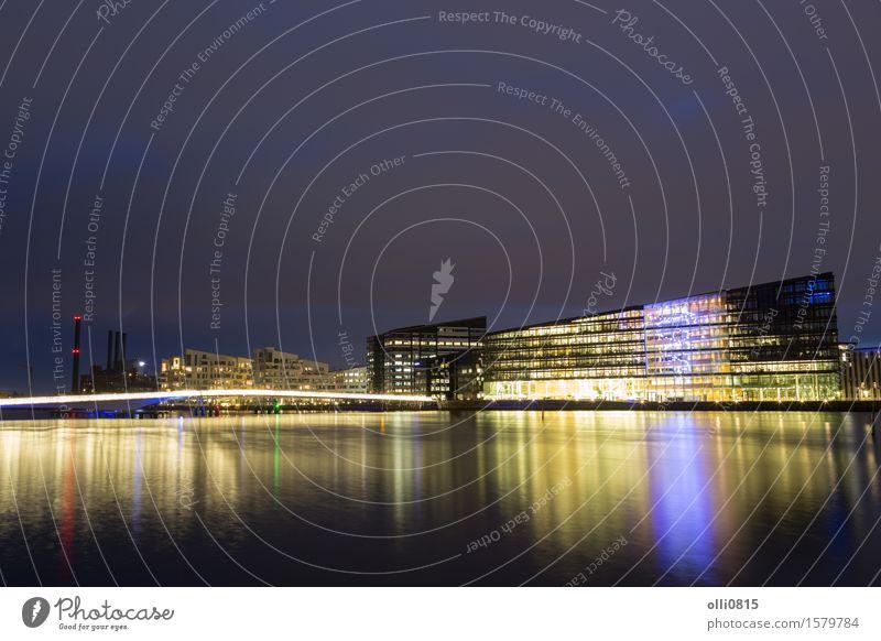 Havneholmen Bezirk in Kopenhagen bei Nacht Design Fahrradfahren Dänemark Stadt Brücke Architektur Fußgänger Metall modern bryggebroen Nachtaufnahme