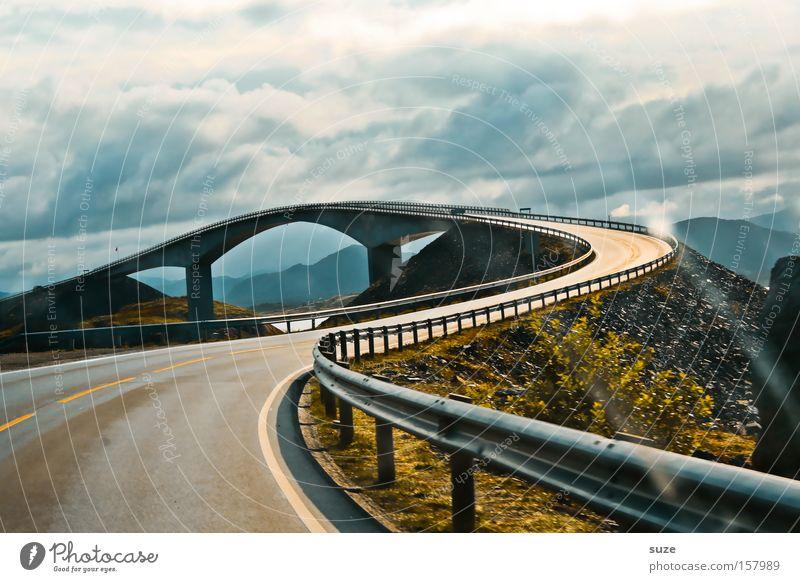 Atlantikstraße Ferien & Urlaub & Reisen Landschaft Berge u. Gebirge Straße Bewegung Reisefotografie Wege & Pfade außergewöhnlich Verkehr gefährlich bedrohlich