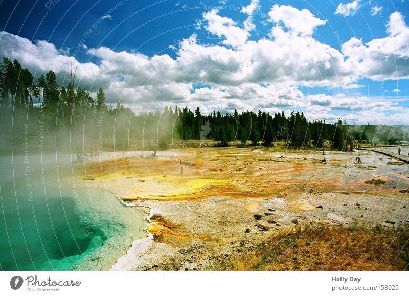 Fountain Paint Pot heiß Geysir Quelle Nationalpark Wasserdampf Wolken Kraft See mehrfarbig Park Vulkan USA Himmel Yellowstone Nationalpark Farbe Rauch Natur