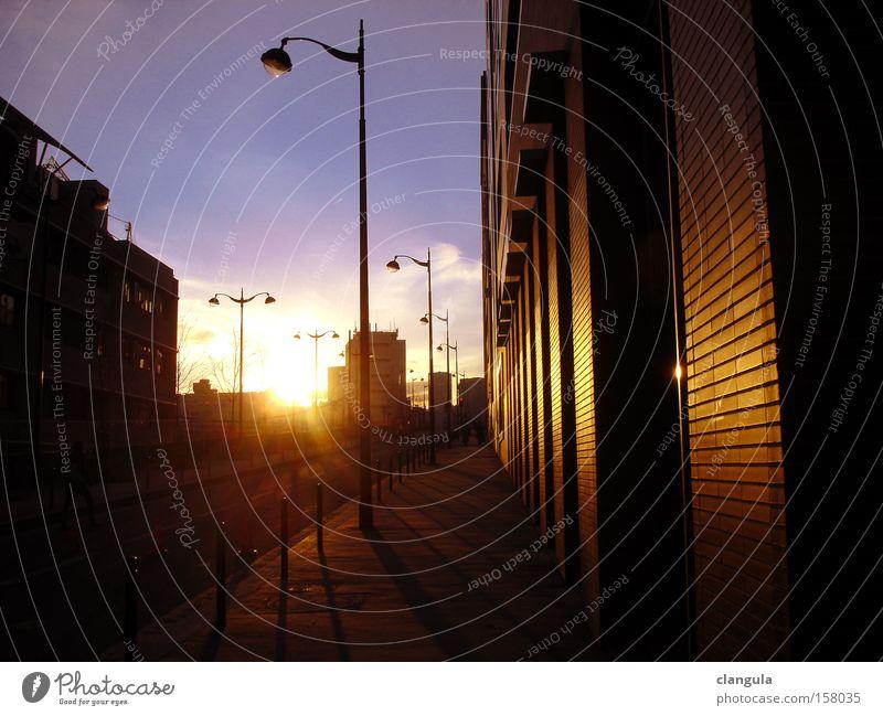 Pariser Abend Winter Laterne Verkehrswege Blauer Himmel Wintersonne Warmes Licht