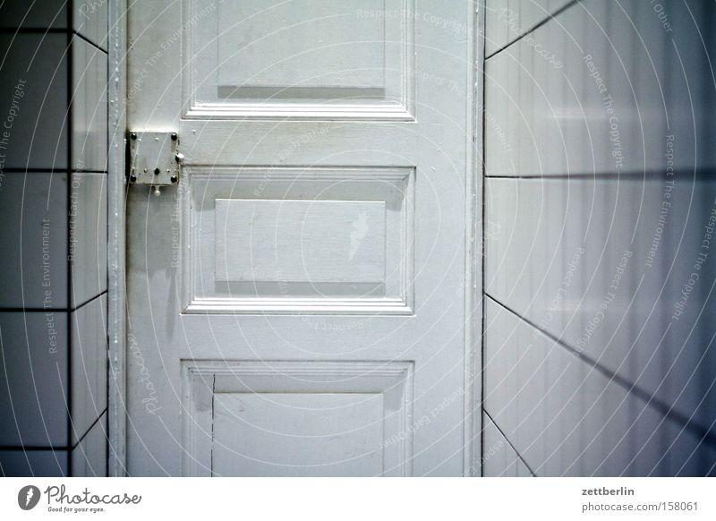 Klo again Wand Kunst Tür geschlossen Sauberkeit Bad Kultur Fliesen u. Kacheln Toilette Toilette Schloss Fuge Isolierung (Material) Isoliert (Position) Waschhaus Raum