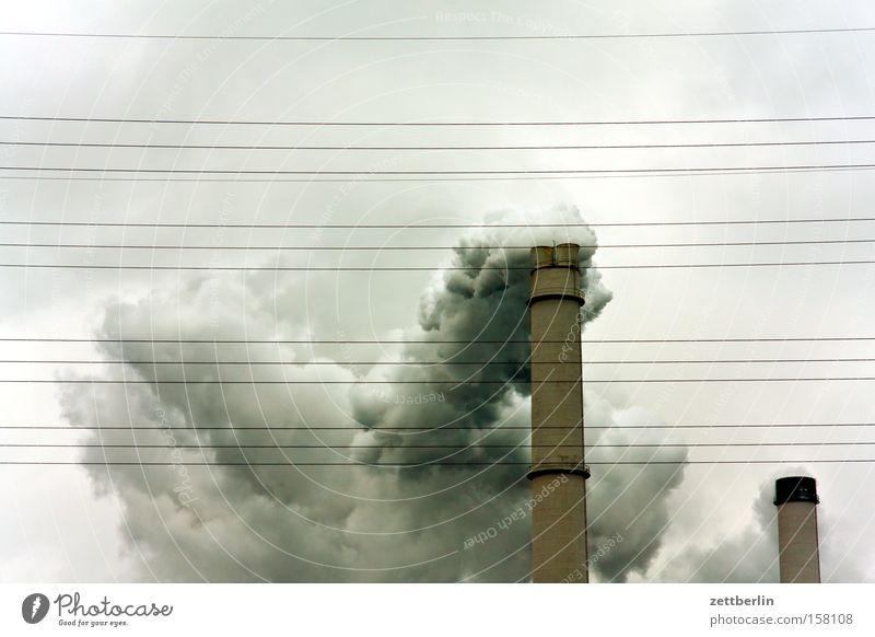 Rauch Schornstein Abgas Wolken Umweltverschmutzung Luftverschmutzung Industriefotografie Kohlendioxid Emission brennen verbrannt Energiewirtschaft Gier