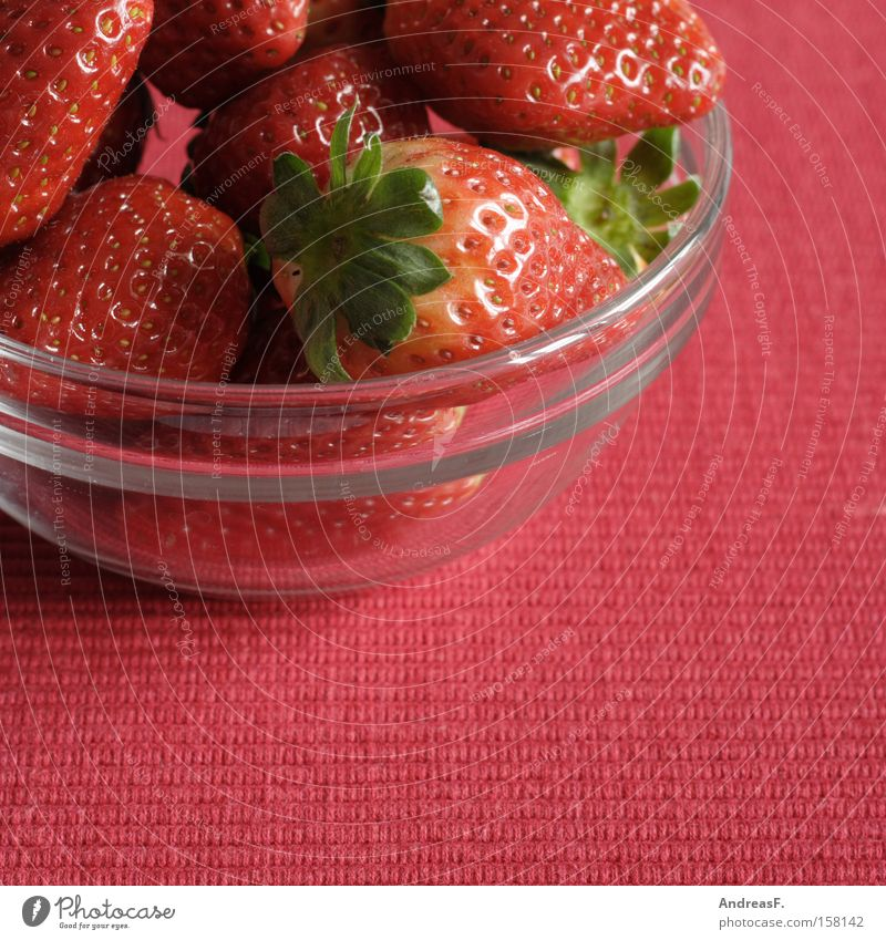 Erdbeeren rot Sommer Ernährung Frucht frisch süß reif Vitamin Schalen & Schüsseln Beeren Erdbeeren Vegetarische Ernährung Glasschüssel