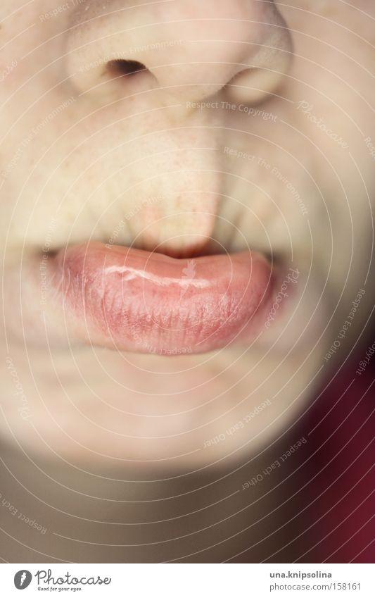 schmollen Gesicht Gefühle Mund Nase weich Lippen Wut Gesichtsausdruck Grimasse Frustration Ärger Kinn beleidigt schmollen Kindermund unsympathisch