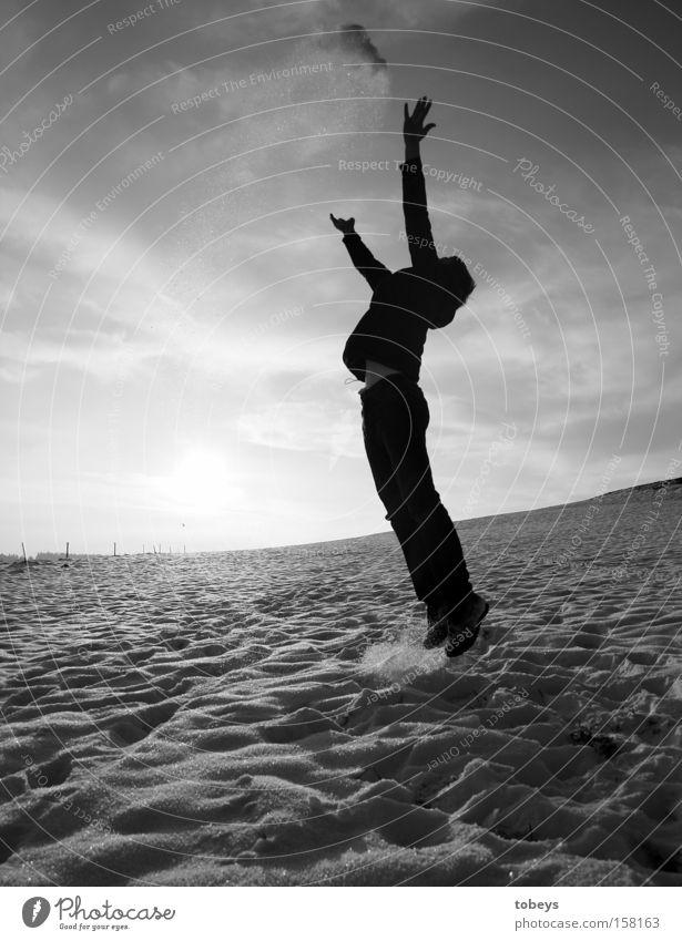 have fun Freude Ferien & Urlaub & Reisen Ferne Freiheit Winter Schnee Luftverkehr fliegen springen werfen frei Unendlichkeit fun schmeißen Schwarzweißfoto