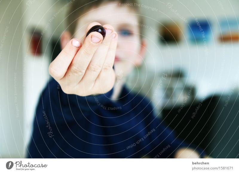*666* ich schmeiß ne runde wein...ähhh...trauben;) Junge Familie & Verwandtschaft Kindheit Körper Haut Kopf Gesicht Auge Ohr Hand Finger 1 Mensch 3-8 Jahre