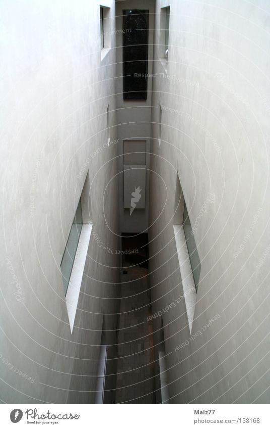 Eingeengt kalt Wand Fenster Angst Architektur eng Panik Museum Gang Platzangst schmal abstrakt Schottland Sackgasse Edinburgh